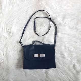 Sling Bag Small 5