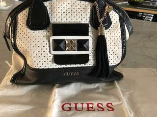 GUESS BLACK & WHITE BAG