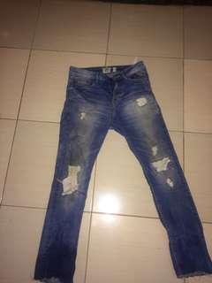 Celana jeans merk pull&bear ukuran 30