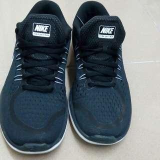 Nike2017新款慢跑鞋
