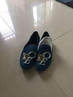 LOUIS VUITTON PARIS flat shoes