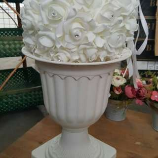 Rental: White Flower Pot