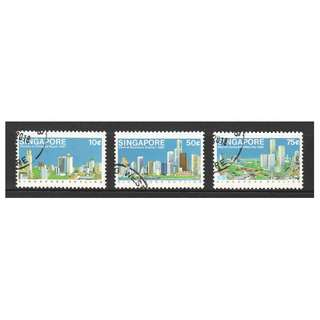 SINGAPORE 1987 SKYLINE OF SINGAPORE COMP. SET OF 3 STAMPS IN FINE USED CONDITION