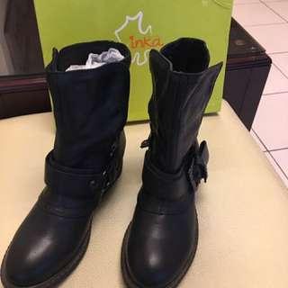 真皮 活動式扣環帥氣黑色短靴
