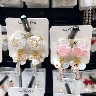 韓國進口東大門飾品蕾絲紐扣水晶串珠吊墜女耳飾耳環