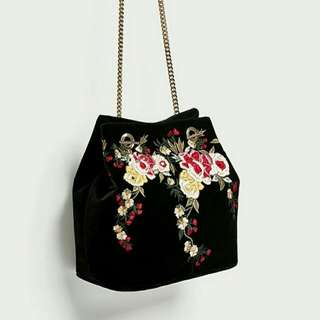 Zara velvet bucket original