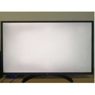 "LG 32"" 4K UHD monitor, 32UD59B, 3840 x 2160"