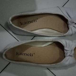 Cmelli sepatu