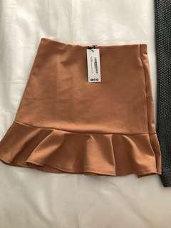Boohoo Nude scuba mini skirt size 12 BNWT 💕