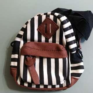 個人用品-隨身背包 手機 零錢包 口紅