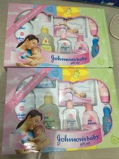 Johnson's Baby Gift Set (ada 2) take all 160.000