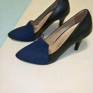 🚚 二手正韓跟鞋,好穿好搭,鞋頭是寶藍色,原價1280