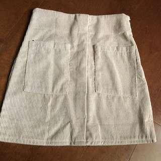 全新雙口袋卡其短裙 #換季五折
