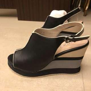 🚚 百貨專櫃 ANGEL 楔型 厚底鞋