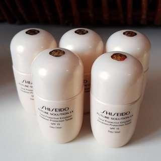 Shiseido Future Solution LX Emulsion SPF 15