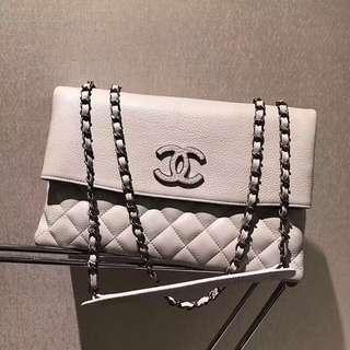 Chanel 香奈兒  灰色 多隔層口蓋包  Size:30*19*10cm