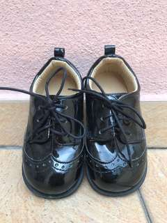 Boys/toddler shoes size23