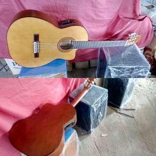 Gitar nilon akustik elektrik cutway