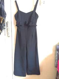Black jumpsuit cantik