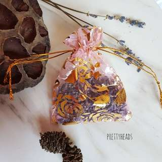 Lavender sachets in pink and gold muslin bag