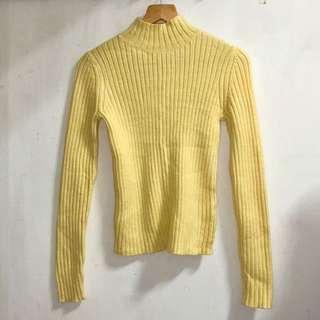 日本購 Uniqlo 小高領直紋坑條毛衣 #換季五折