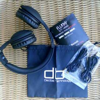 Wireless headset with built-in mic