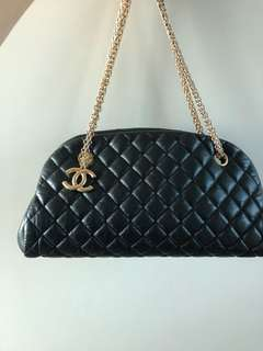 Chanel 小牛皮bag