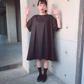 二手古著 黑色寬版裙(後背小心機蝴蝶結)