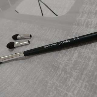 Masami shouko eye shadow brush