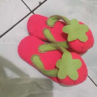 Sendal strawberry anak 2th