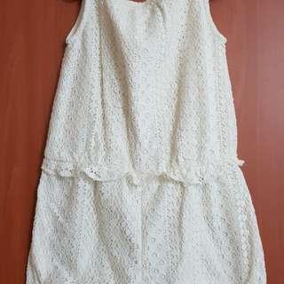 Girl's cloth