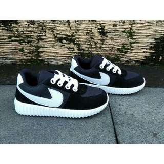 Sepatu anak sneakers lashelin /sepatu kets sepatu sport anak -hitam