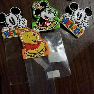 日本迪士尼樂園 絕版 入場門票pass襟章$160/4 個