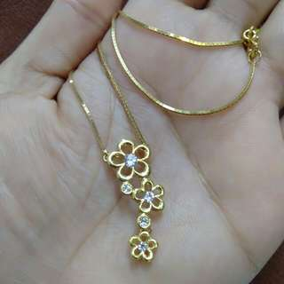 18K Choker Type Flower Necklace 16inches