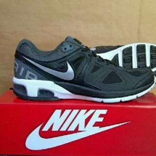 Sepatu spotr pria murah