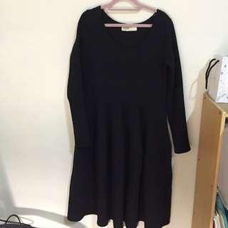厚羅紋黑色洋裝