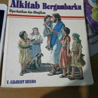 Buku alkitab bergambar