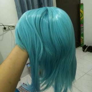 Wig light blue