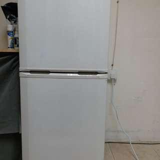 雪櫃 新淨企理 正常使用