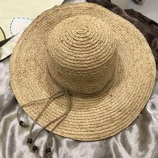 可遮陽又不失時尚草帽