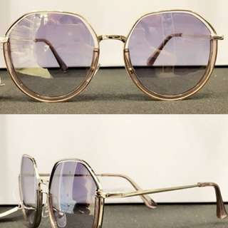 最新女款時髦太陽眼鏡🕶️ 18年最新上架👍👍 2色夏天就是要美美的💝💝 $480/♥️♥️