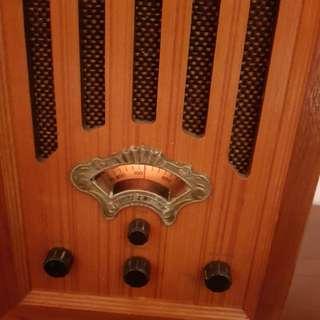 古董收音機 lv (燈著但冇聲)