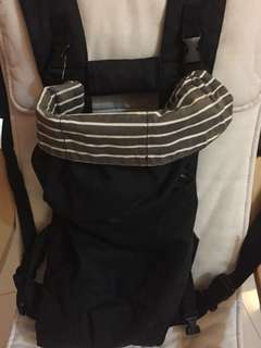 Baby carrier in condition black 5 manieres carrier by eightex