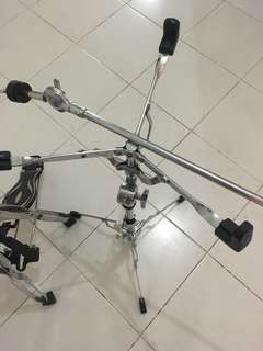 Hihat Stand, Snare Stand n extension cymbal Stand.
