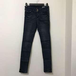 Skinny Fit系列超顯瘦石洗刷色雙釦單寧牛仔緊身褲鉛筆褲窄管褲