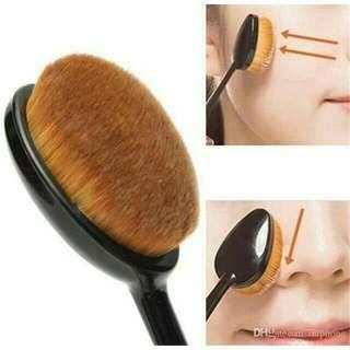 Kylie paddle brush