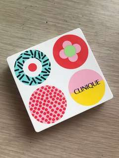 Clinique eyeshadow + blush palette