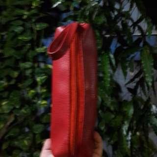 Kotak pensil merah