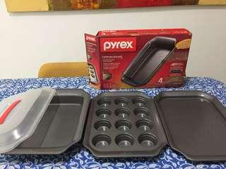Pyrex 4 Piece Non stick Metal Bakeware