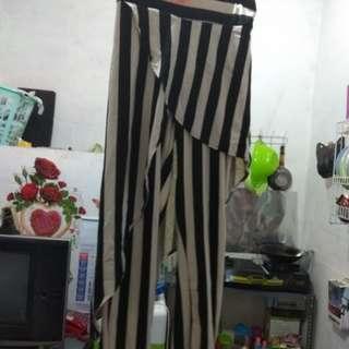 Celana spandek panjang hitam putih garis garis